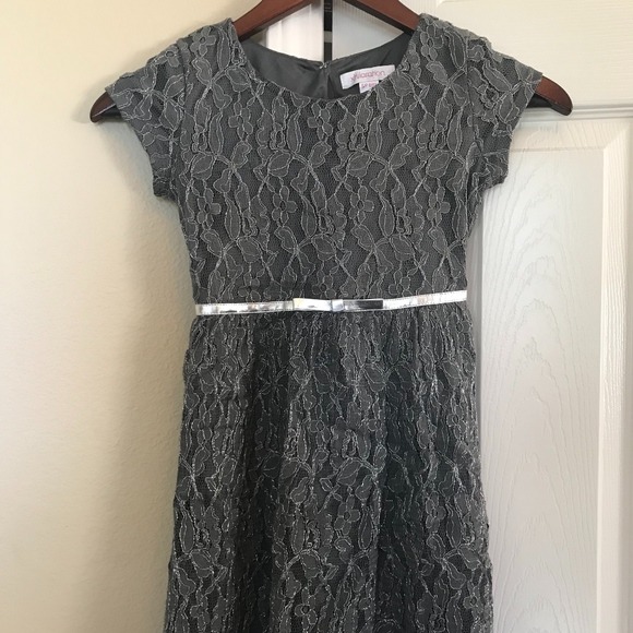bd35e14c2cad Cute Silver and Grey Lace Girls Dress. M 5bc7bff2c89e1d29a44f0dcc